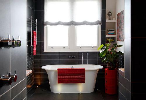 Pārkāpjot ierastā robežas: modernas tendences vannasistabas dizainā 23