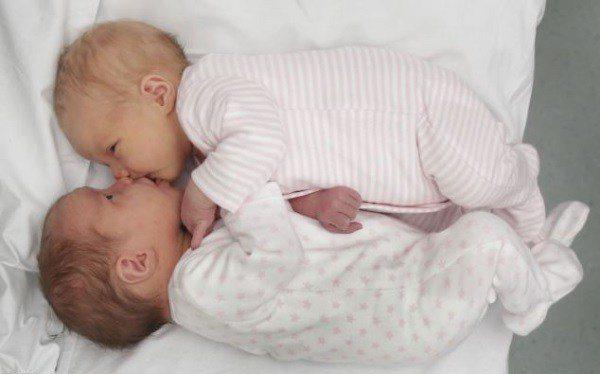 Šī sieviete kļuva par māti diviem dvīņu pāriem. Bet pēc 12 gadiem viņu gaidīja jauns pārsteigums! 4