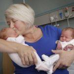 Šī sieviete kļuva par māti diviem dvīņu pāriem. Bet pēc 12 gadiem viņu gaidīja jauns pārsteigums! 5