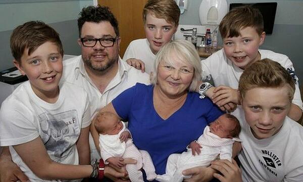 Šī sieviete kļuva par māti diviem dvīņu pāriem. Bet pēc 12 gadiem viņu gaidīja jauns pārsteigums! 7