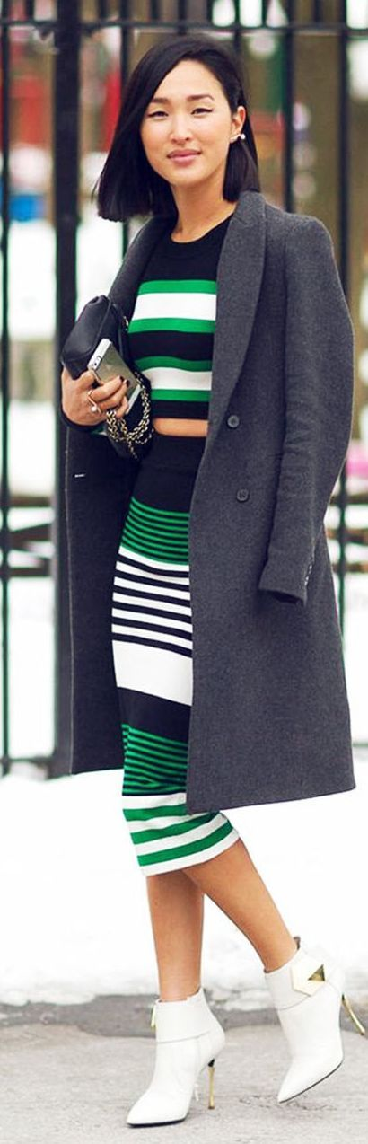 Viena no 2016.gada pavasara modes tendencēm apģērbā – platas līnijas 19