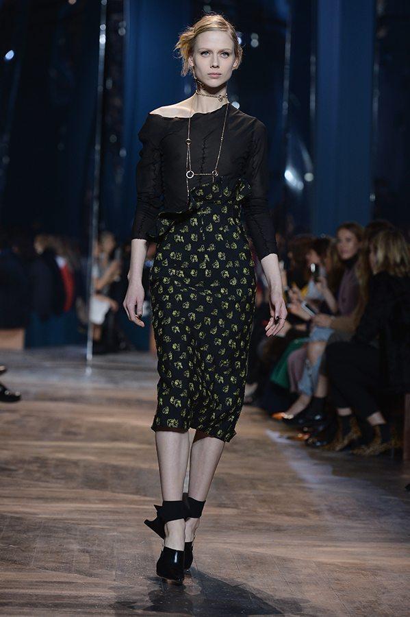 Augstās modes (The Haute Couture) šovi Parīzē 1