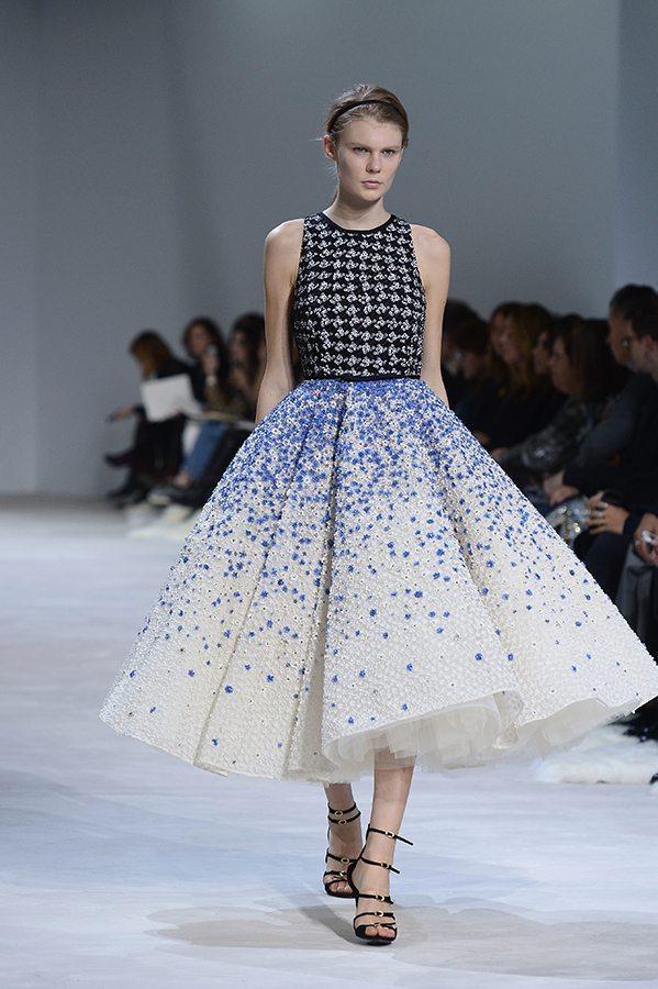 Augstās modes (The Haute Couture) šovi Parīzē 26