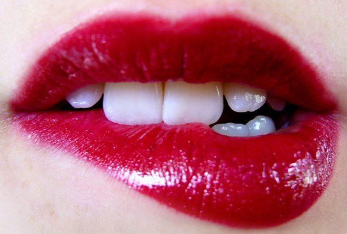 7 paņēmieni, kurus sieviete var paveikt ar muti