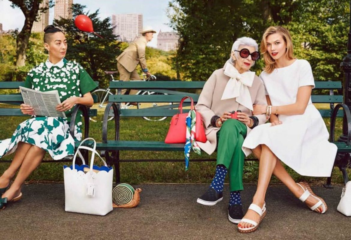 thefemin-karlie-kloss-iris-apfel-pose-in-the-park-for-kate-spade-s-spring-2015-ads-08