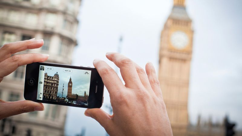 iphone_taking_photo
