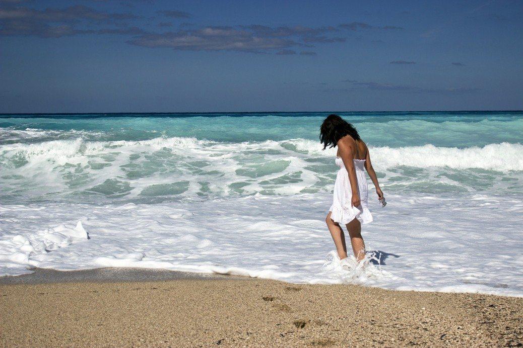 sieviete-okeans