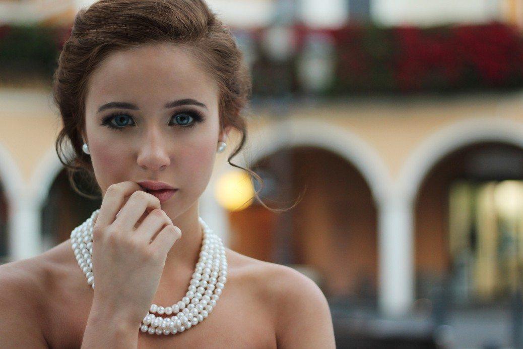 sieviete-perles