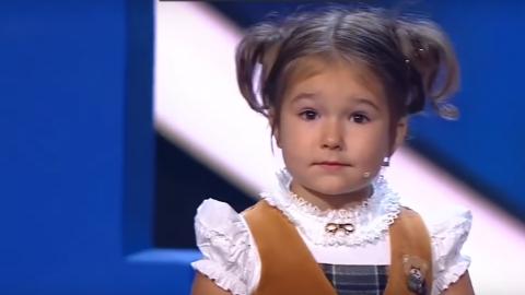 Iepazīsties! 4 gadus vecā Bella, kura runā 7 valodās