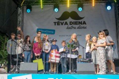 Apbalvotas Latvijas Goda ģimenes 2018