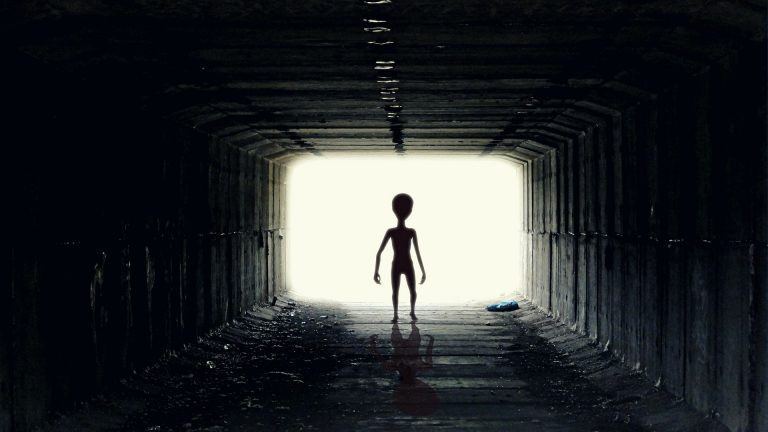 5 pārsteidzošas teorijas par citplanētiešiem!
