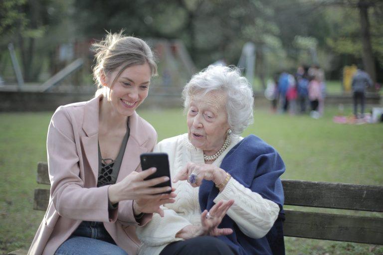 Stereotipu tests: 52% dalībnieku izdara pārsteidzīgus secinājumus par cilvēka vecumu!